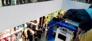 Slavnostní otevření výstavy z EXPO 2015 v Miláně, zpěváci mezi návštěvníky City Parku