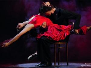 KULTURNÍ TIPY: Do Horáckého divadla na balet Carmen nebo do DKO na Musíme si pomáhat