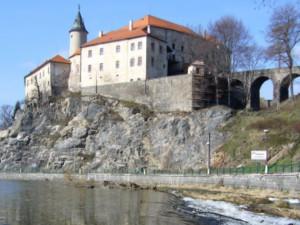 Na hradě v Ledči se otevřelo Muzeum Jaroslava Foglara. Připomíná, že jezdil na Sázavu na tábor