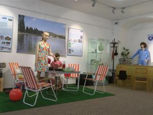 Vázání uzlů nebo vyplnění žádosti o výjezdní doložku nabízí výstava v jihlavském muzeu
