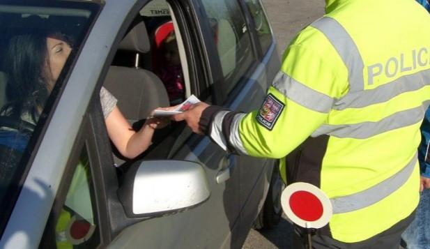"""Dejte nám auto, zaplatíme pokuty. Známý """"ochránce kuřáckých hospod"""" má nový projekt"""