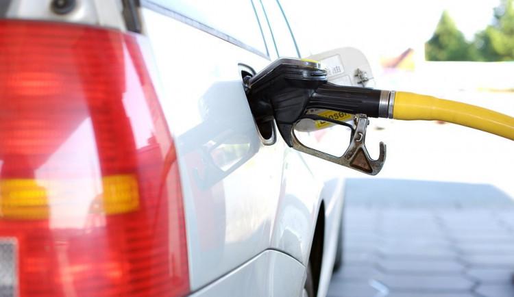 Průměrná cena benzinu stoupla za poslední týden o 31 haléřů. Nejvíc zaplatíme na Vysočině