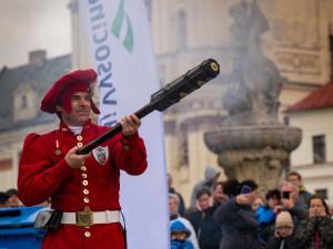Jihlava zažila rekordní salvu z historických zbraní