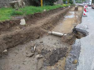 Nakonec se zpožděním. Rozšíření Hradební ulice o BUS pruh bude dokončeno nejdříve v září