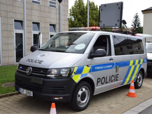 Policisté na Vysočině mají dvě nová vozidla. Budou s nimi kontrolovat bezpečnost i kamiony