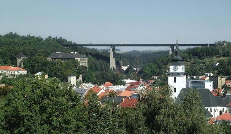 Hlavní uzavírka mostu Vysočina na dálnici D1 začne příští týden