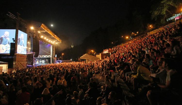 Závěrečný den Vysočina Festu přinese Divokýho Billa, Mňágu a Žďorp, Rybičky 48 nebo Václava Neckáře