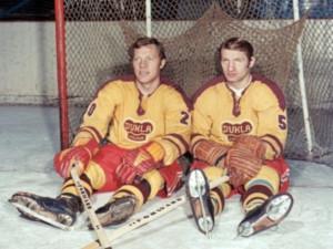 Jiří Holík (vlevo) dnes slaví 75. narozeniny