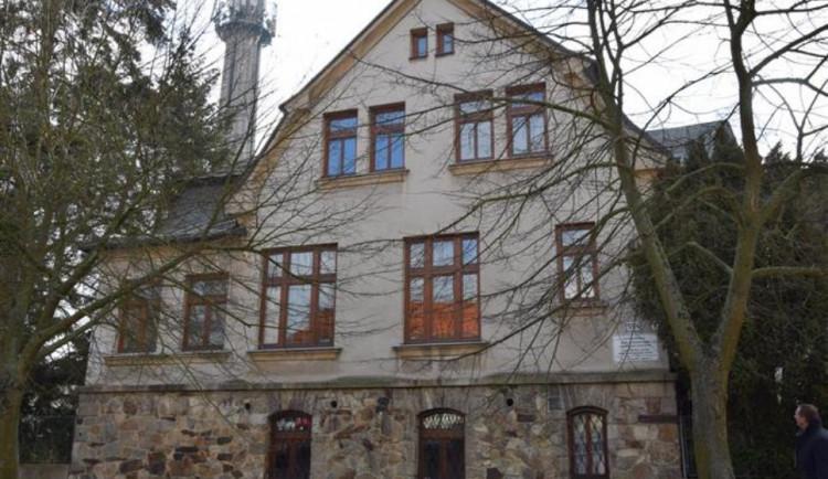 Školní budova na Telečské ulici v Jihlavě je na prodej. Už dva roky zeje prázdnotou