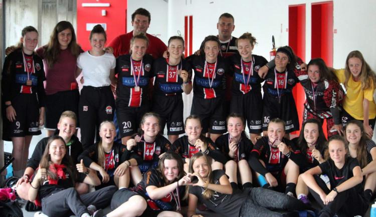 Juniorky FBŠ Jihlava zazářily na prestižním mezinárodním turnaji, vybojovaly historický bronz