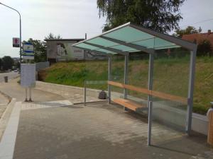 Hotovo! Nové zastávky na Hradební ulici mohou najednou obsloužit až dva autobusy