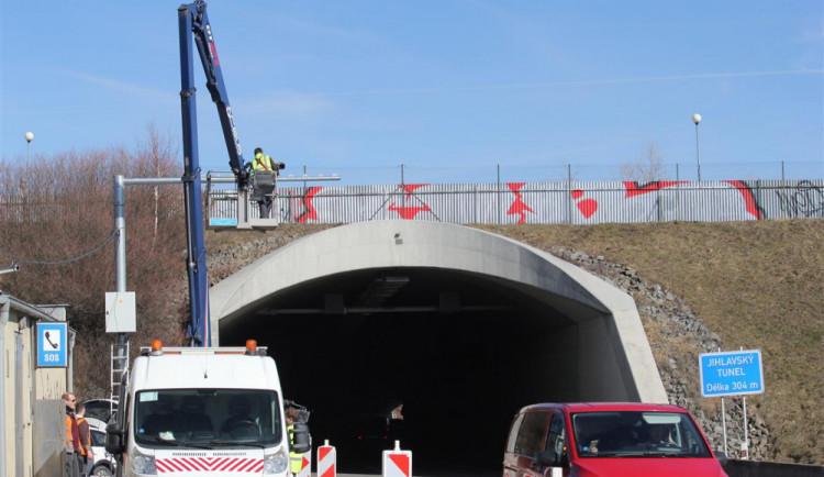 V Jihlavském tunelu se spáchá průměrně 87 přestupků za den, měsíčně se vyberou miliony korun