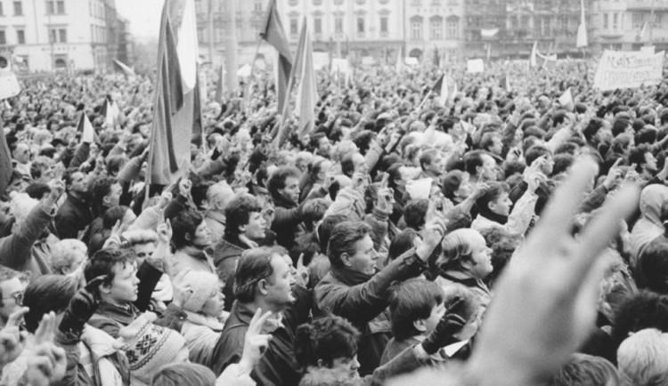 Při oslavách 17. listopadu sázejí města na Vysočině i na výstavy. Zapojí se také děti