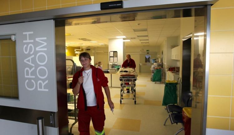 Léto na jihlavském urgentu: Pády z kol, popáleniny, řezné rány. Přibývá alergií na hmyzí bodnutí