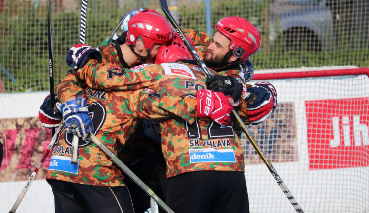 Jihlavští hokejbalisté vstoupili do prvoligové sezóny vítězně, Přelouč porazili 3:1