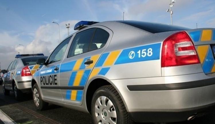 Opilý řidič na Jihlavsku ujížděl policistům. Po zastavení nadýchal skoro dvě promile