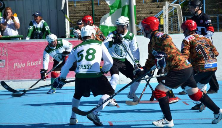 Prvoligoví hokejbalisté jsou zatím bez porážky, Malenovice porazili 4:3