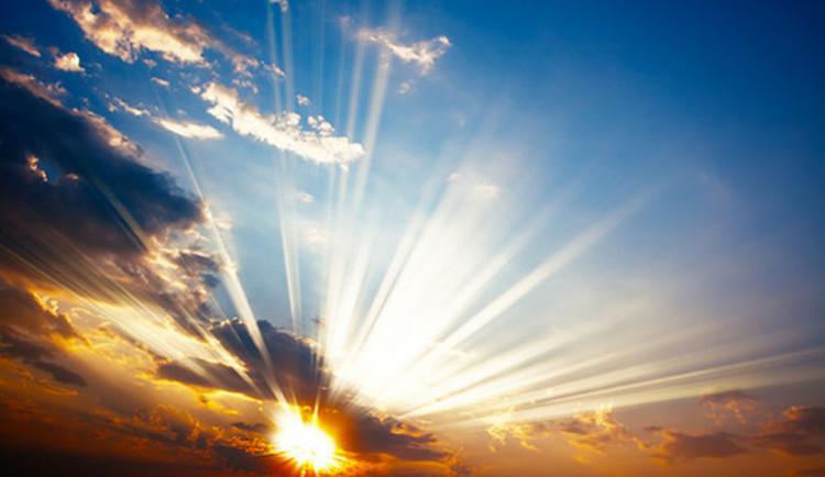 POČASÍ NA NEDĚLI: Dostatek sluníčka a teploty těsně pod dvacet stupňů