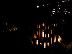 Někteří betlémáři navozují tu správnou atmosféru třeba i zhasnutím světla.