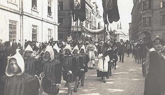 Průvod na náměstí Svobody