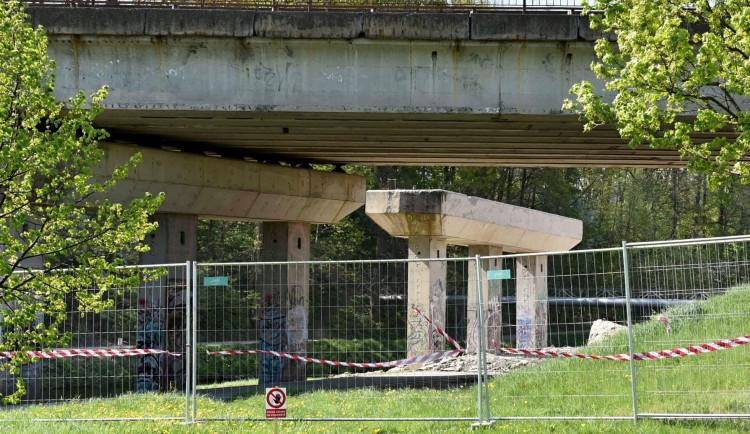 Rekonstrukce mostu dálničního přivaděče