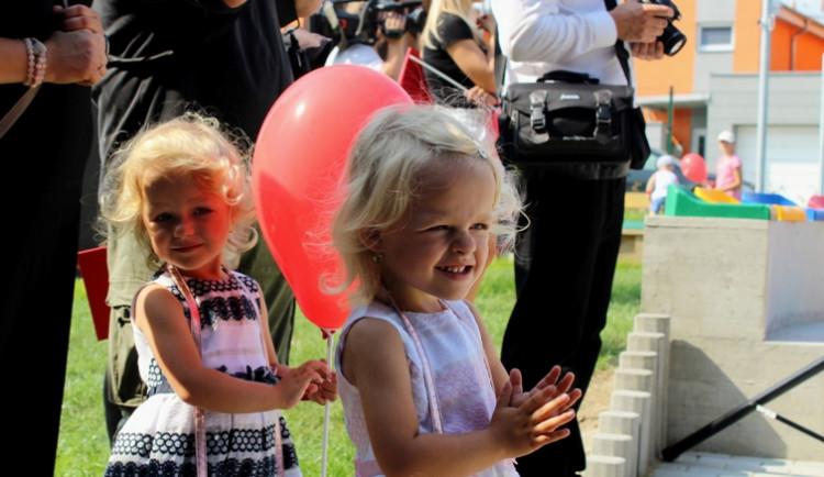 Nová školka v Jihlavě se dnes slavnostně otevřela